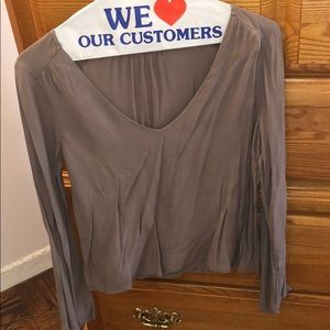 💕pretty grey blouse💕never worn! Item must go.